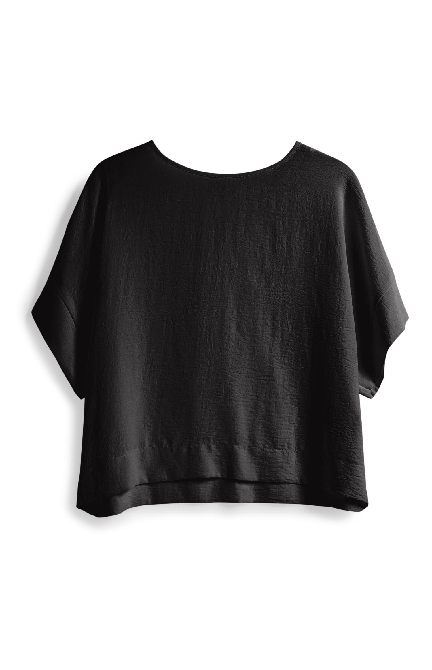Kurzes T-Shirt in Schwarz