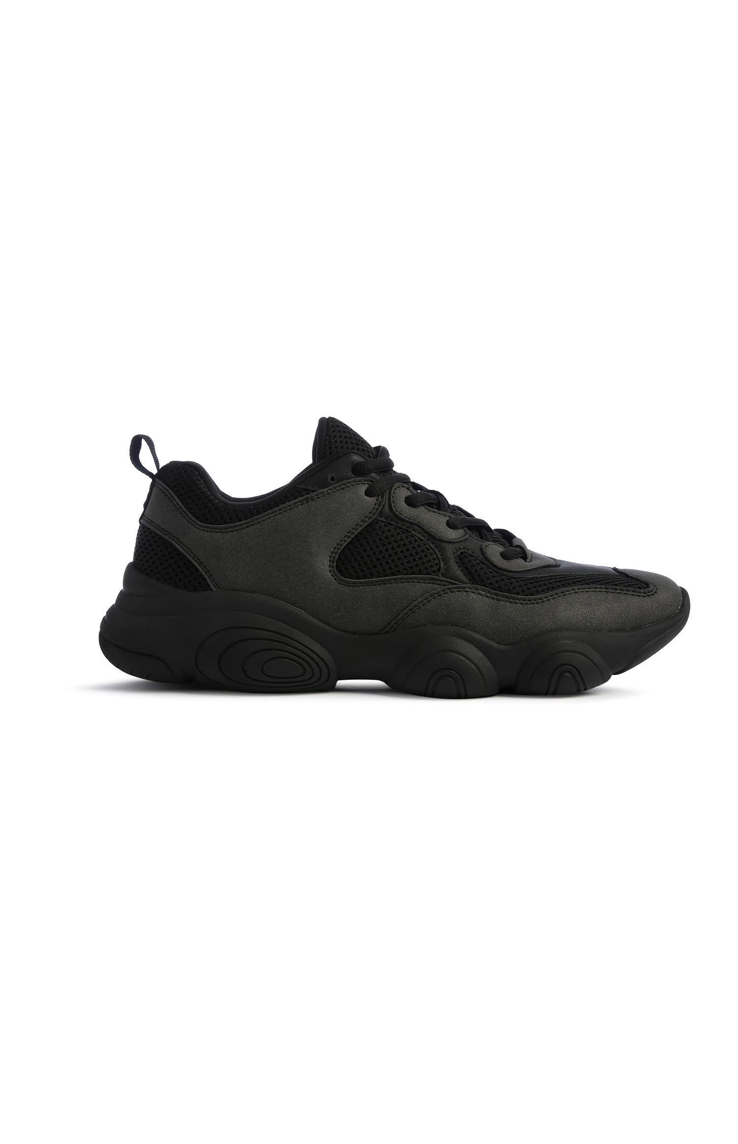 Black Chunky Trainer