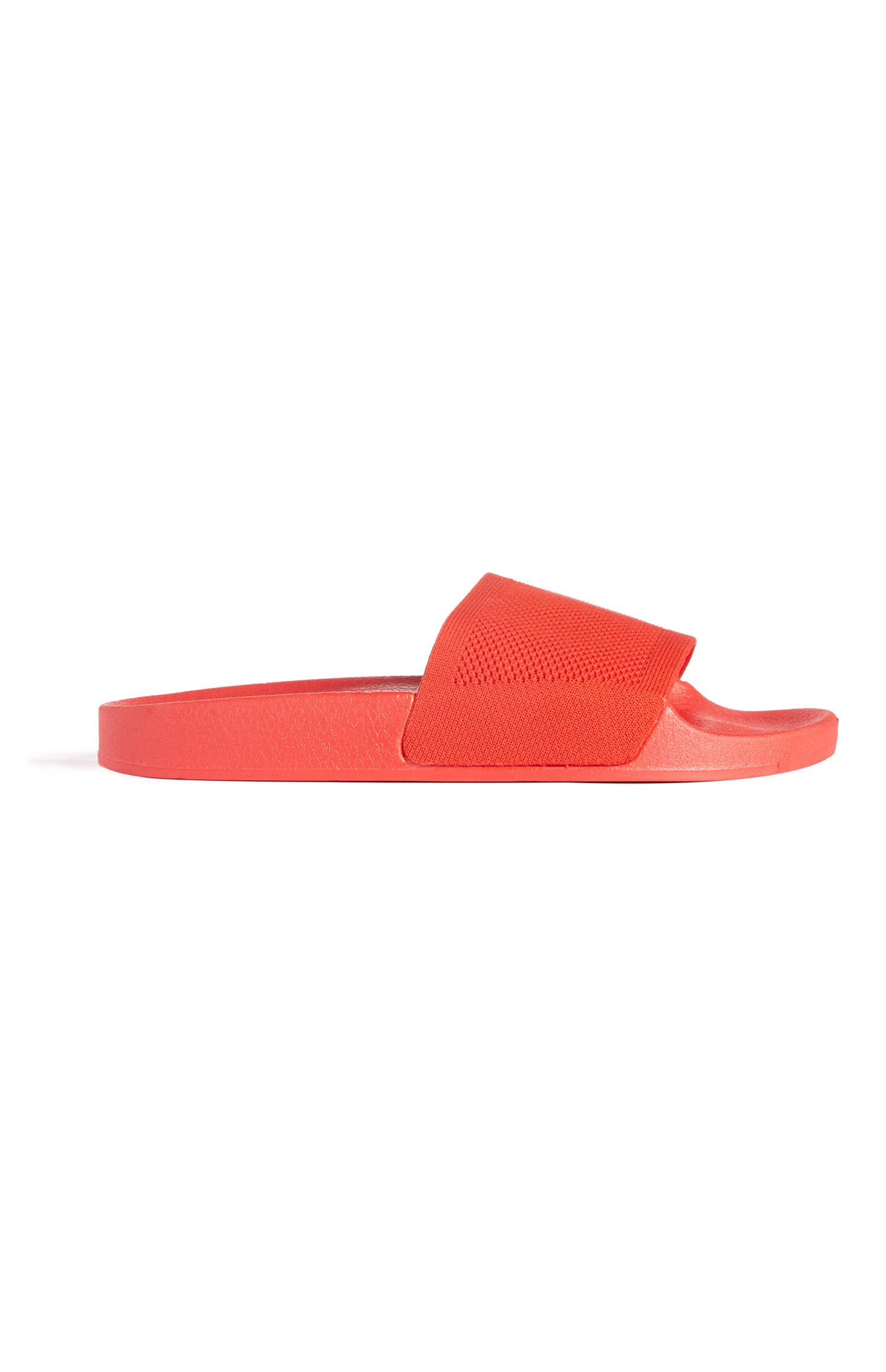 Rode gebreide slippers