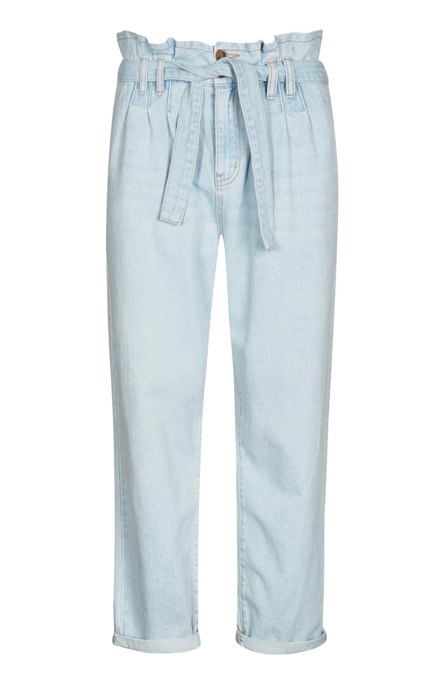 Pantalón azul con cinturón