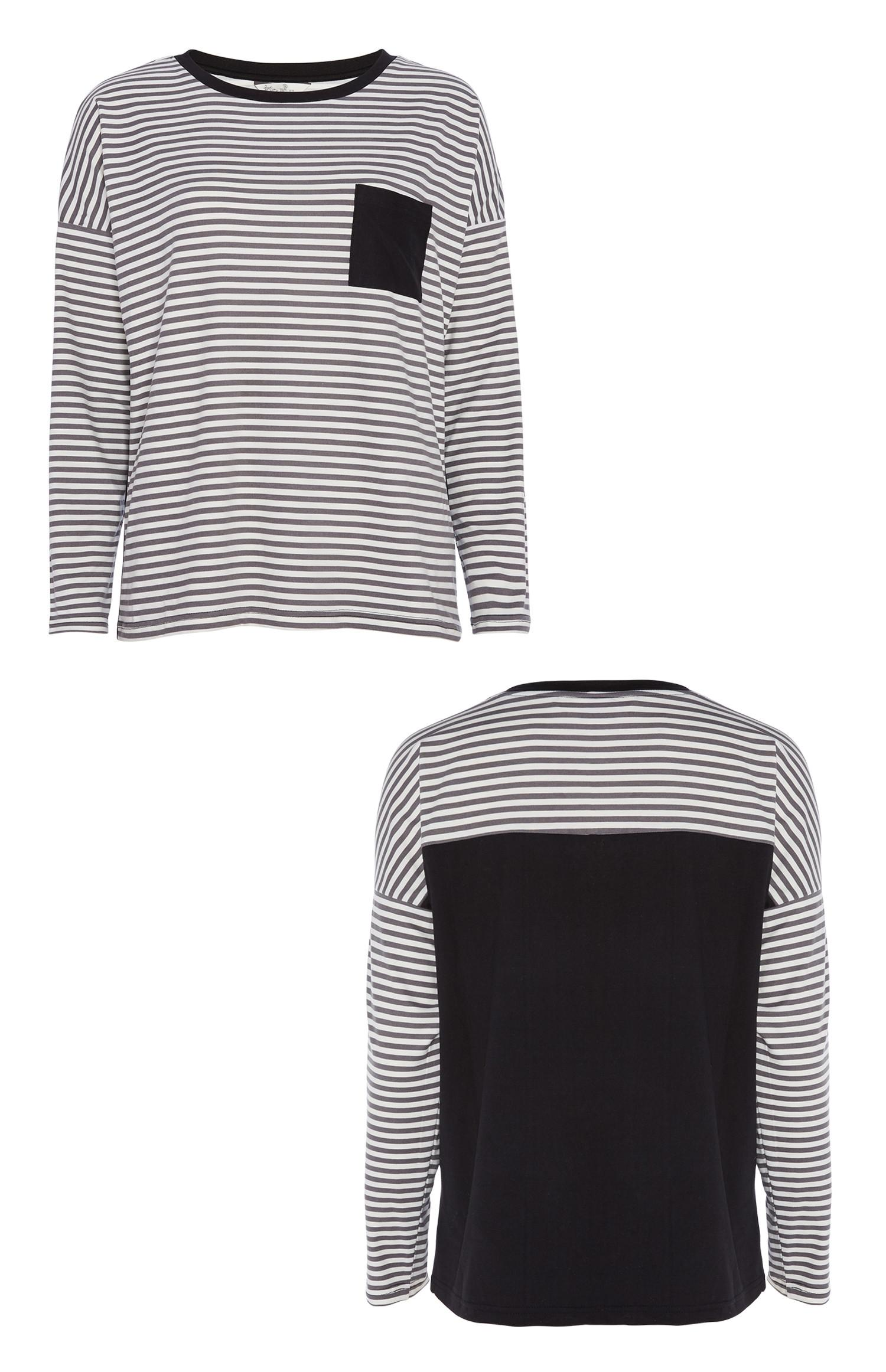 Schwarz gestreiftes Pyjamatop
