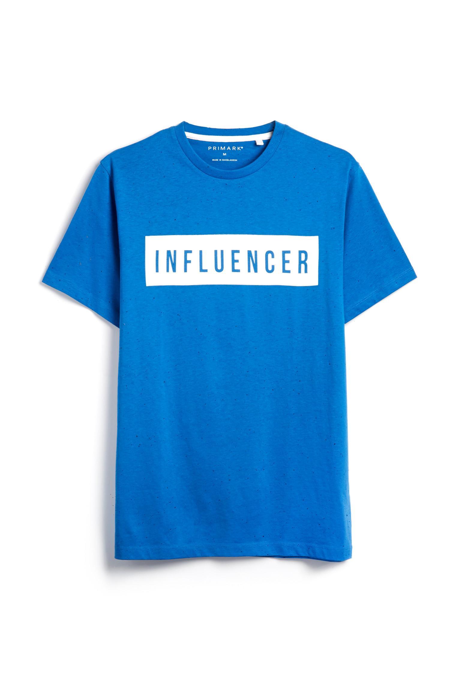 Blaues T-Shirt mit Slogan