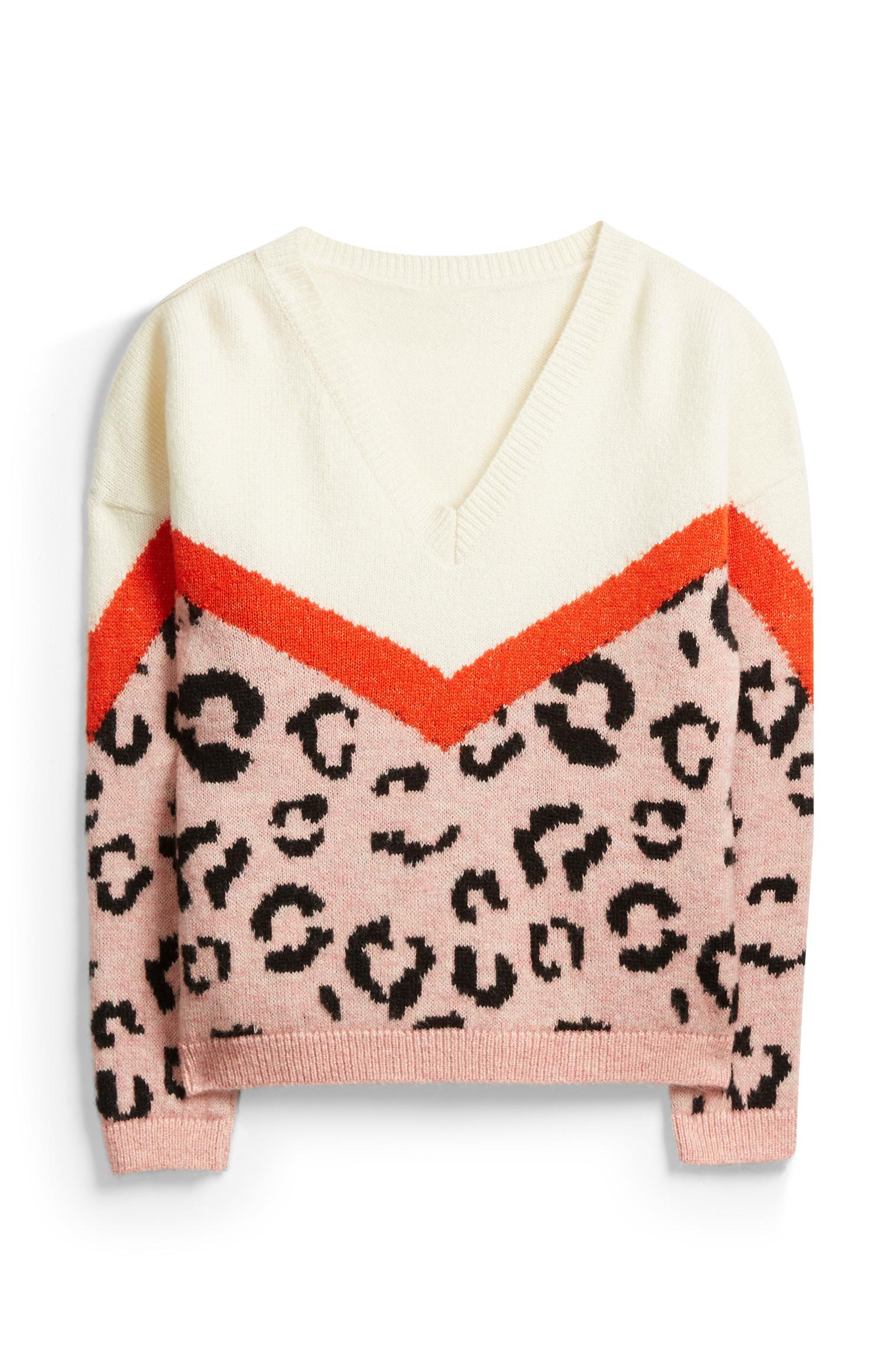 Jersey estampado animal con cuello en V