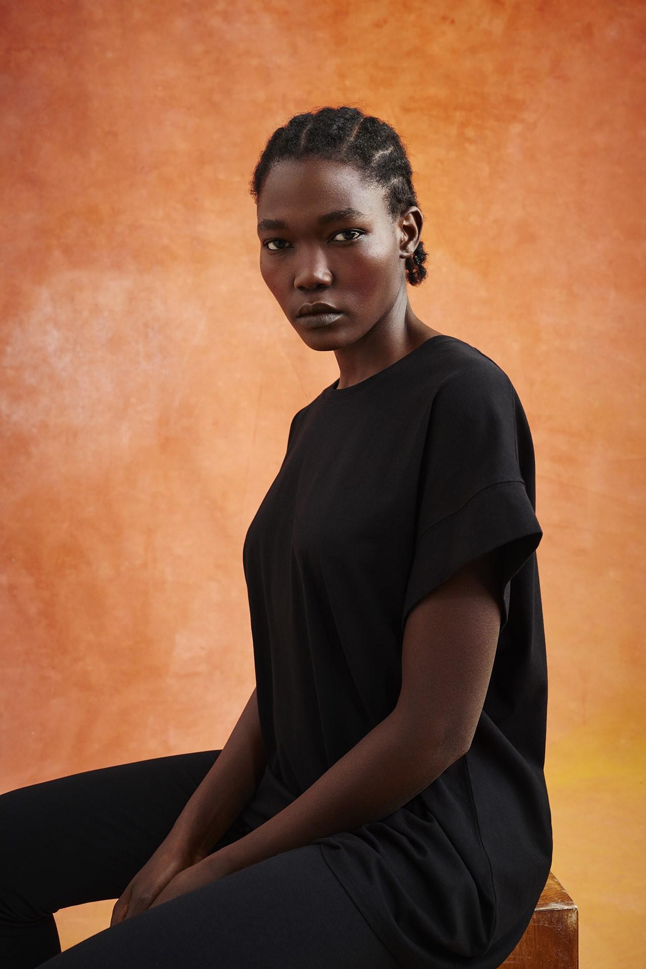 Primark bringt mit Recover™, dem Innovator für recycelte Baumwolle, eine neue nachhaltige Freizeit-Kollektion für Damen auf den Markt