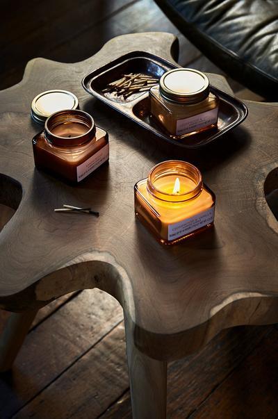 Interieurafbeelding met kaarsen in pot