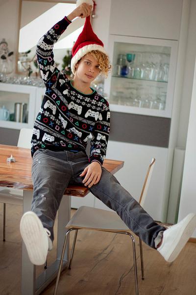 Christmas sweaters image 3