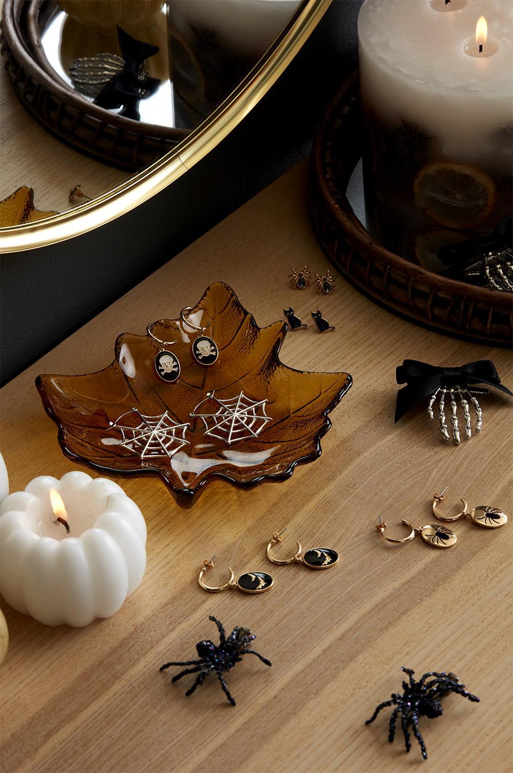 images à plat de boucles d'oreilles spécial halloween
