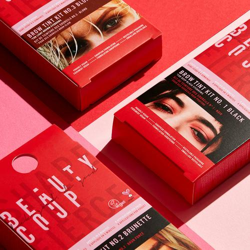 Rote Verpackung – Flatlay