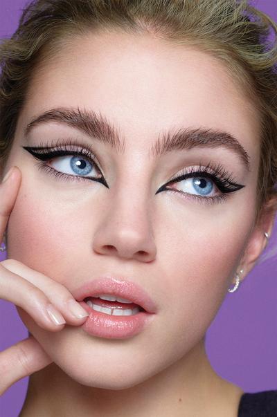 Model met Primark-eyeliner
