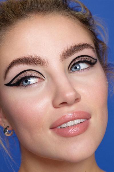 model met eyeliner