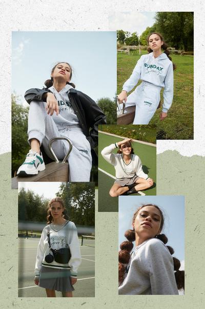 Models in der Preppy-Kleidung der 90er Jahre vor hellgrünem Hintergrund