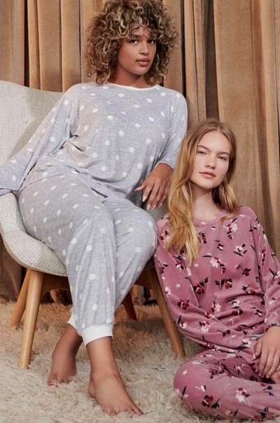 trending-women's-sleepwear