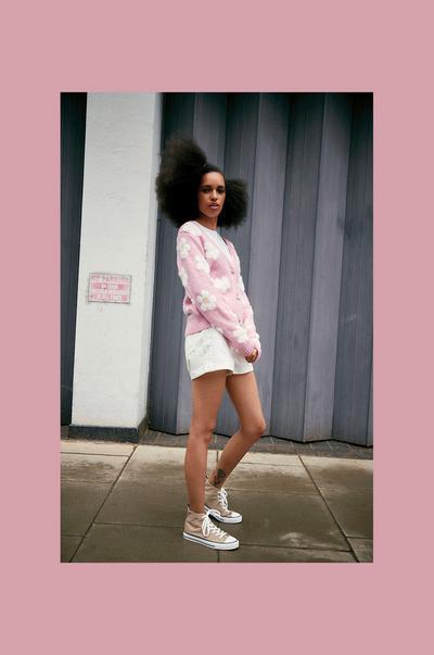 Model wearing Pink Daisy Print Cardigan