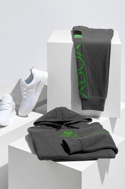 Camisola com capuz Xbox cinzenta 18 €, calças de treino Xbox 16 €