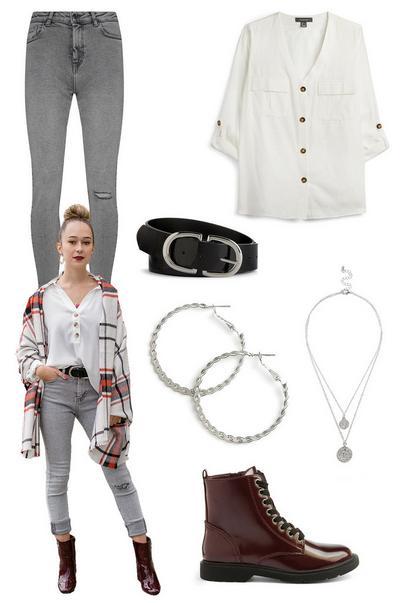 laura in grey skinny jeans