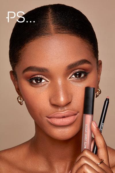 Model with lip kit