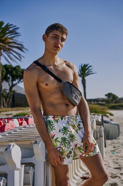 Primark Men's swimwear image