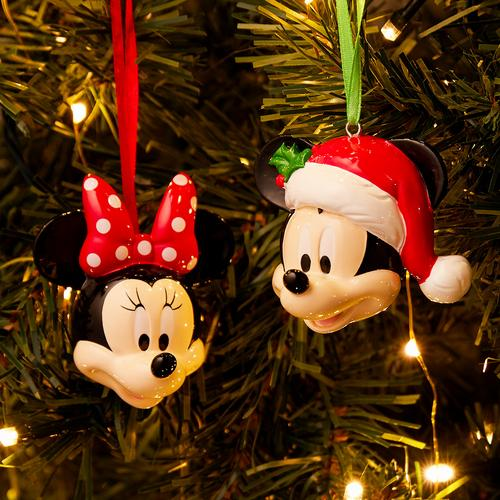 A Mickey & Minnie Christmas