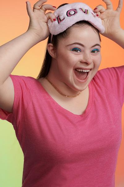 Model using Moodboost gel eye mask