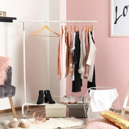 Prenovite garderobo, delček slike