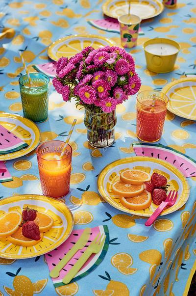 tropical-table-home