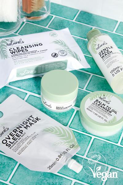 colección de productos veganos para el cuidado de la piel
