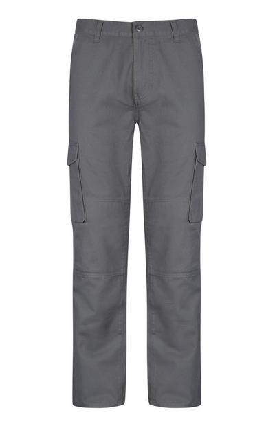 Sive hlače z žepi na stegnih
