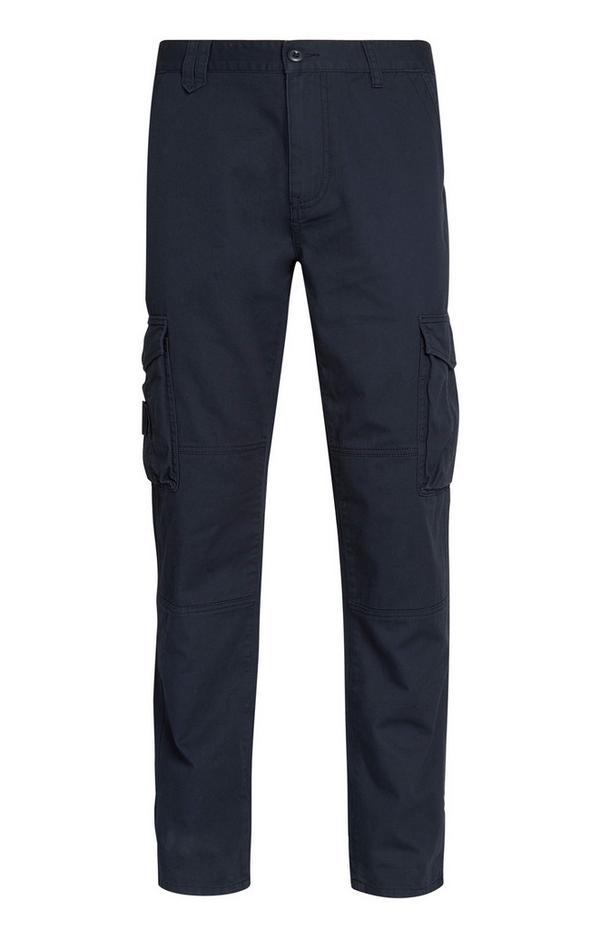 Temnomodre hlače z žepi na stegnih
