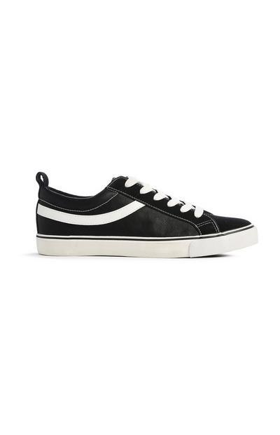 Zwarte skateschoen