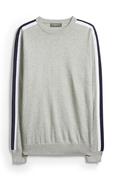 Grauer Pullover mit Seitenstreifen