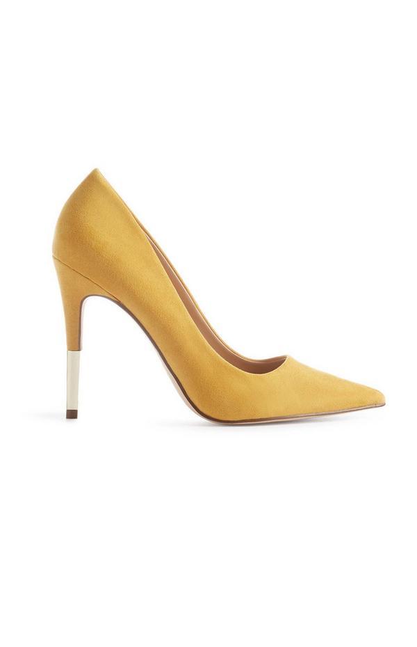 Sapatos salto agulha amarelo