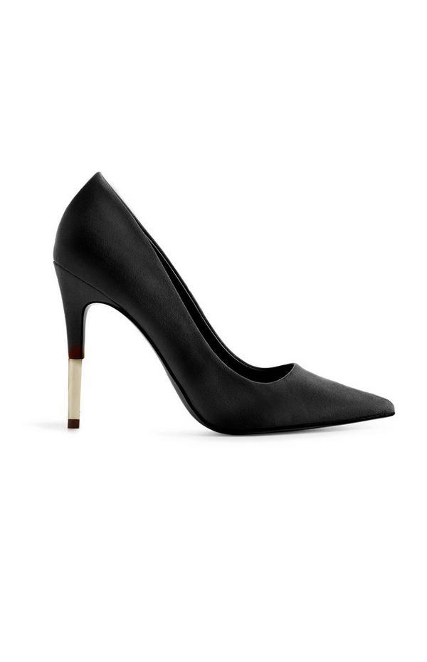 Zapatos de tacón de aguja negros