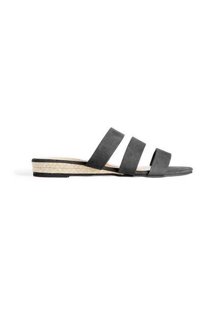 Zwarte sandaal met driedubbele bandjes