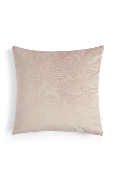 Cuscino rosa in velluto con trama floreale