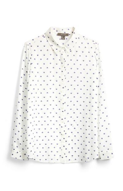 Blusa blanca con adornos