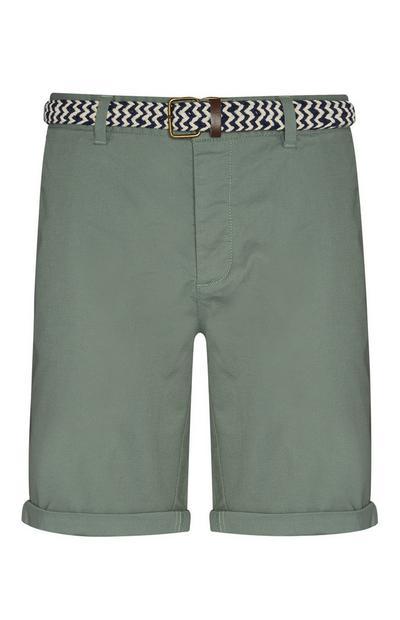 Groene shorts met riem