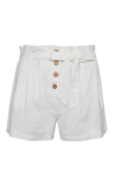 Short blanc à volants en lin