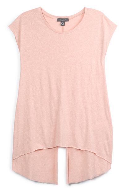 Camiseta rosa con abertura posterior