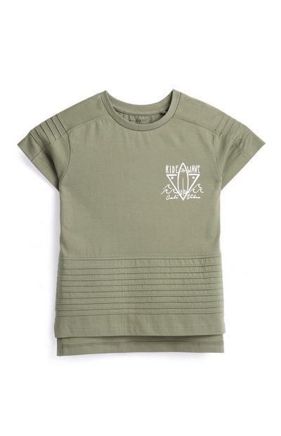 Camiseta color caqui para niño pequeño