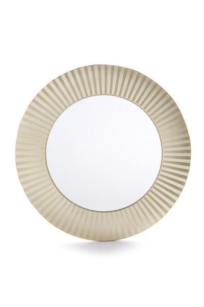 Goudkleurige spiegel met textuur
