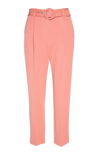 Rožnate hlače s pasom z zaponko