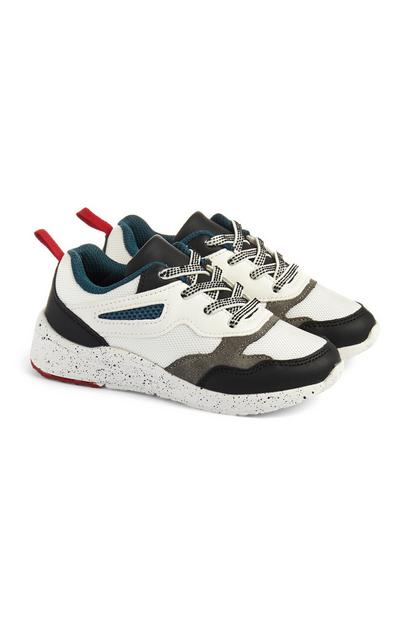 Weiße Sneaker in Blockfarben