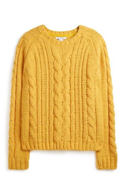 Senfgelber Pullover mit Zopfmuster