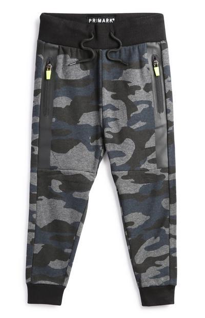 Črne hlače za prosti čas s kamuflažnim vzorcem za mlajše dečke