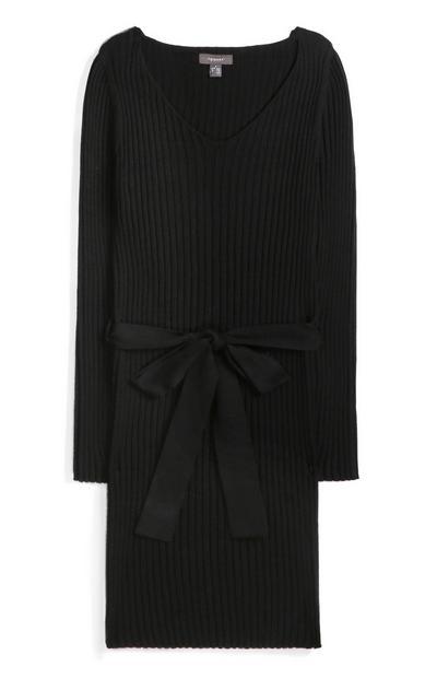 Schwarzes Gürtelkleid mit V-Ausschnitt