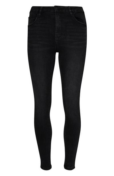 Bodysculpt-Jeans im Grunge-Look