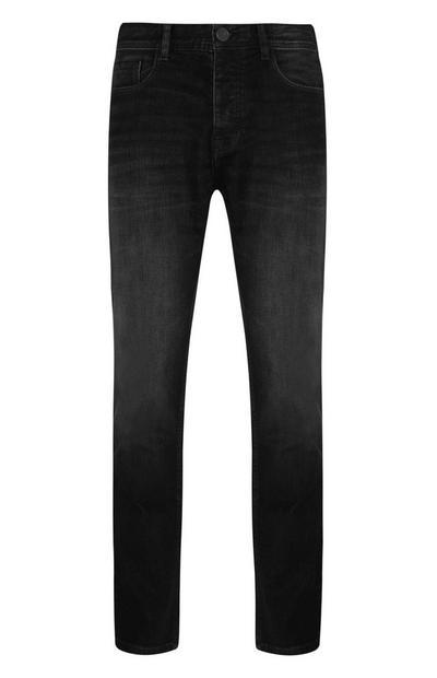 Temno modre kavbojke z ravnimi hlačnicami
