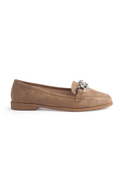 Taupefarbene Loafer mit breitem Kettendetail