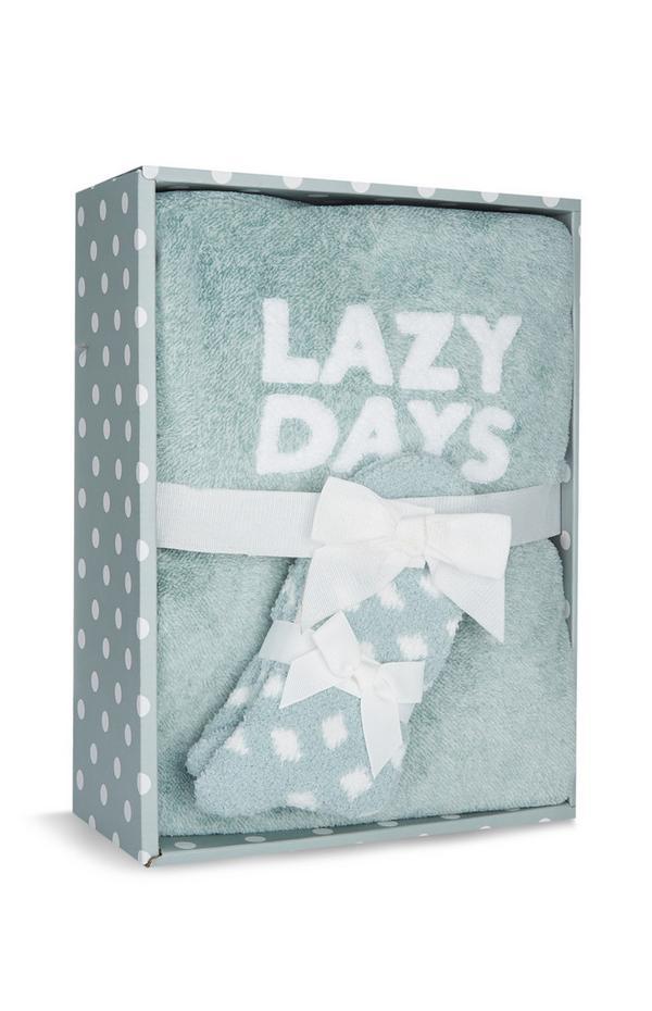 Caja regalo con pijama verde con motivo «Lazy Days»
