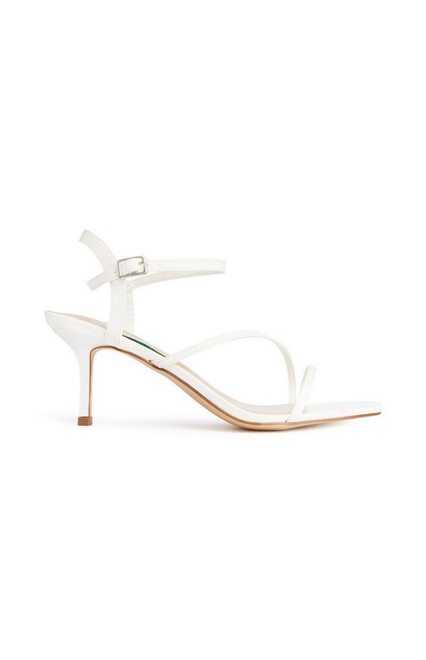 Sandalias de tiras blancas